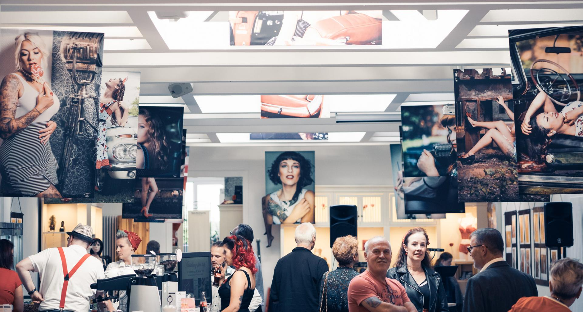 "Impressionen von der Vernissage ""Pin it up"""
