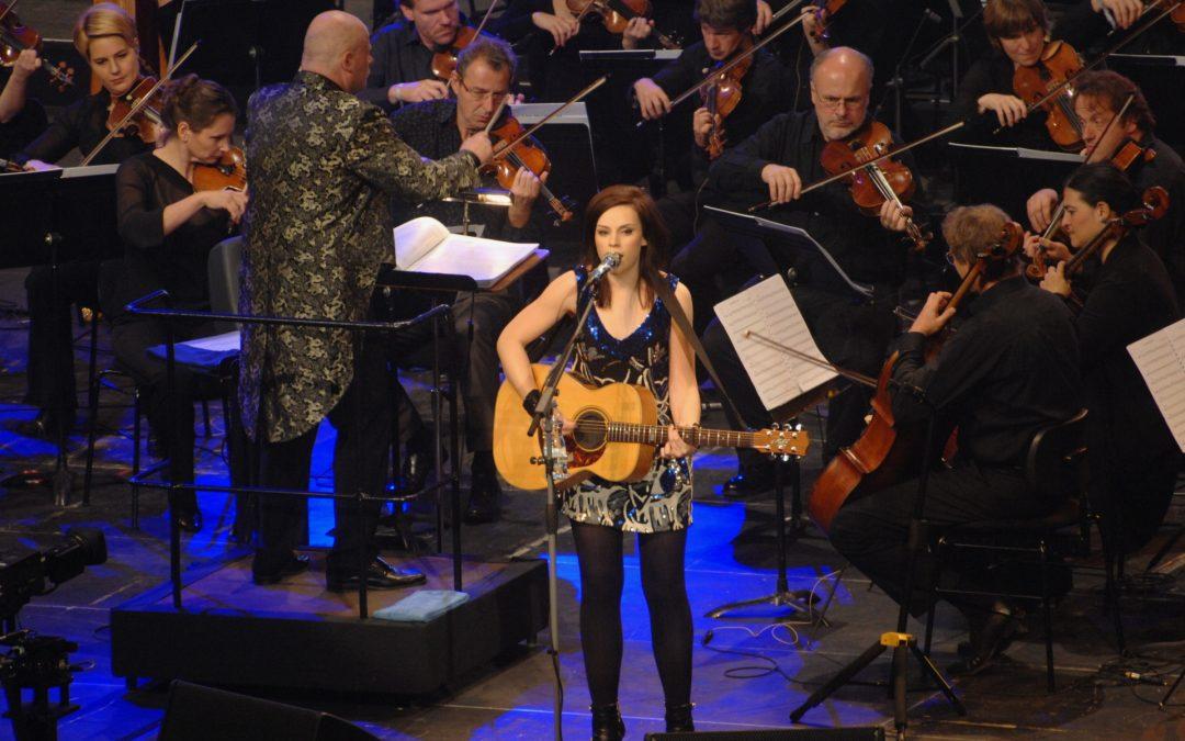 """21. Ausstellung: """"Goldene Europa, Hallo Twen & SR 1 Unplugged – der Saarländische Rundfunk als Popkultur-Botschafter"""" des SR"""
