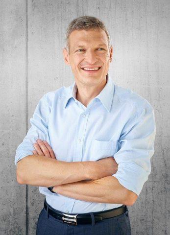 Stephan Toscani, Präsident des Landtags des Saarlandes und Gastgeber zweier Ausstellungen    Foto:  Tom Gundelwein Photographie